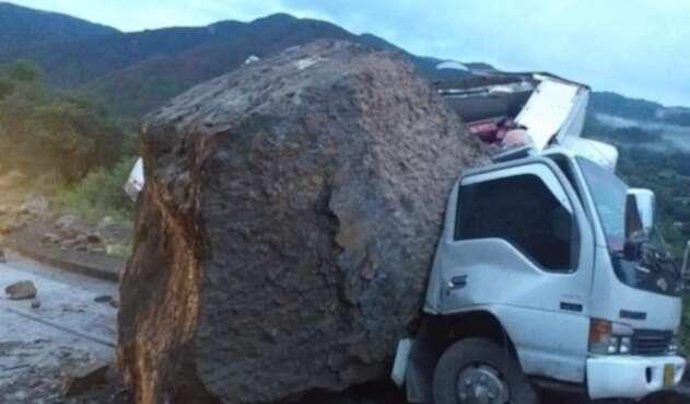 Caida de rocas en la vía Susacón Soatá en Boyacá