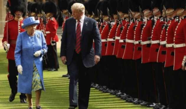 Donald Trump y la reina Isabel.
