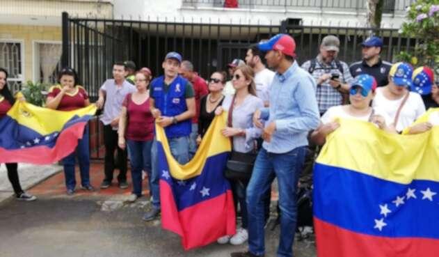 Venezolanos en Medellín saldrán a las calles del Centro de la capital antioqueña y se concentrarán en el Parque de las Luces.