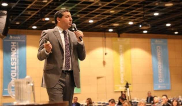 Dian advierte que colombianos renuncia a su nacionalidad para evadir impuestos