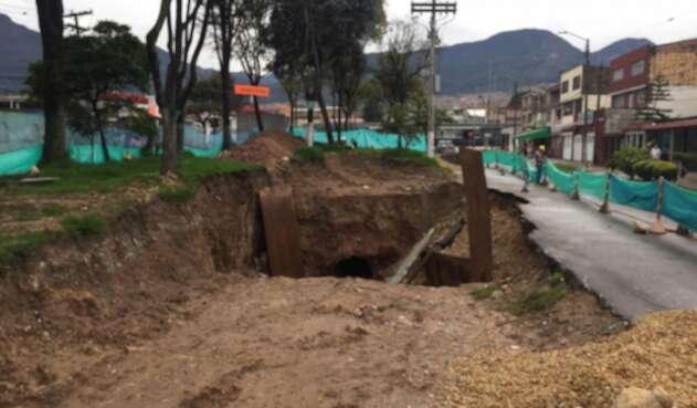 [VIDEO] Hueco en el barrio Country Sur, en Bogotá.
