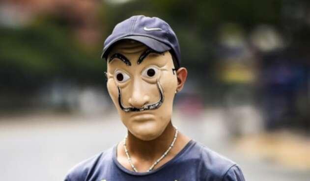 Mascara de Salvador Dalí
