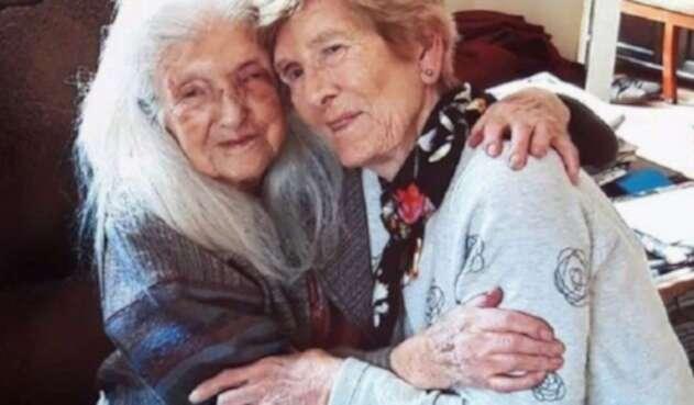 Eileen Macken y su madre