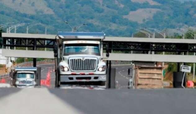 Foto del Ministerio de Transporte sobre la reglamentación de cintas retrorreflectivas