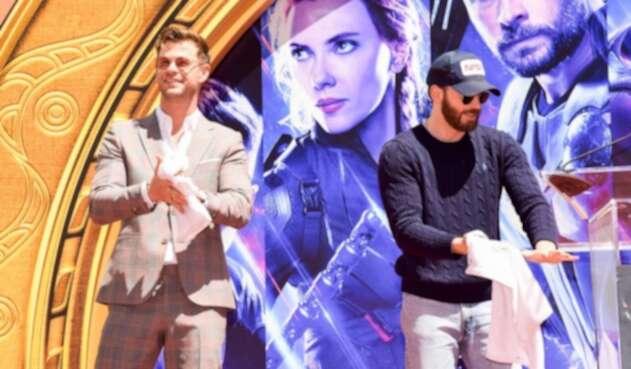 Ambos actores son entrevistados por separado, debido a las constantes bromas que se realizan entre ellos.