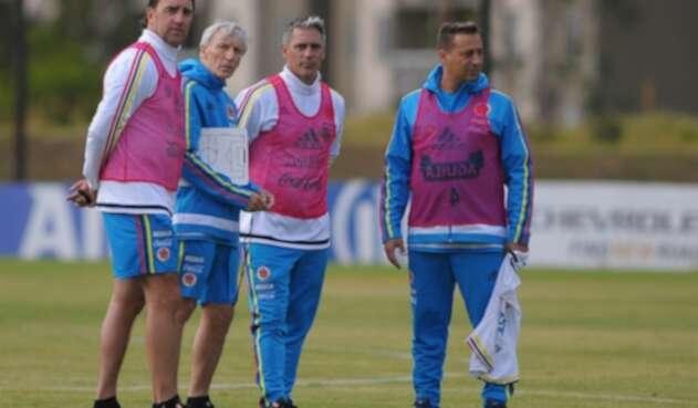 José Pékerman y sus asistentes en la Selección Colombia
