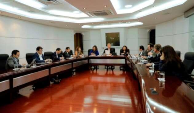 El presidente Iván Duque en Bogotá con parte de su equipo de gobierno