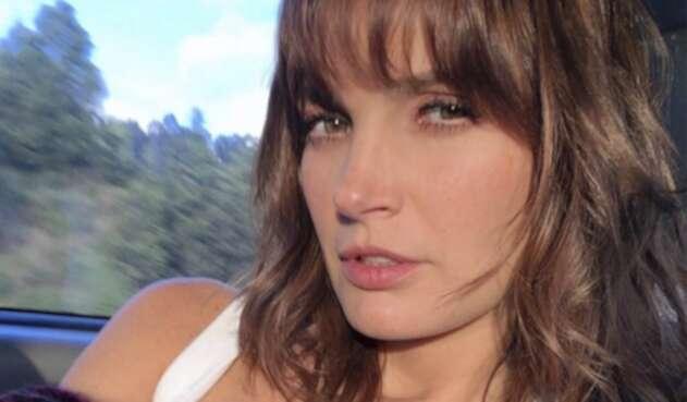 La actriz compartió una imagen donde dejó ver su escultural figura y sensualidad.