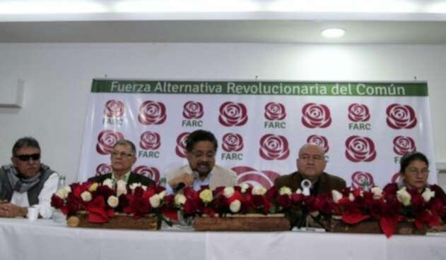 Iván Márquez y la comitiva del partido de la Farc