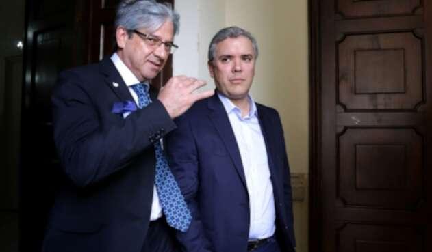 Jaime Amín, alto consejero para la Presidencia de la República, junto al presidente Iván Duque, el 6 de diciembre de 2017 en el Congreso, cuando ambos eran legisladores