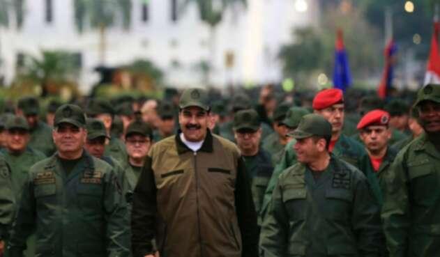 Nicolás Maduro con sus Fuerzas Militares en Caracas