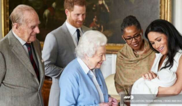 Meghan Markle y Reina Isabel II junto a Archie
