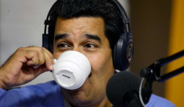 Nicolás Maduro, líder del régimen venezolano, tomando café en la Almacenadora Caracas