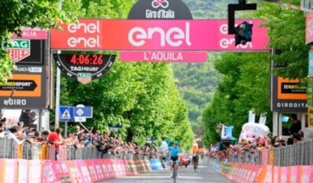 Pello Bilbao López, ciclista español al servicio de Astana, ganando la séptima etapa del Giro de Italia