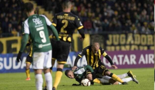 Peñarol derrotó al Deportivo Cali en Montevideo.