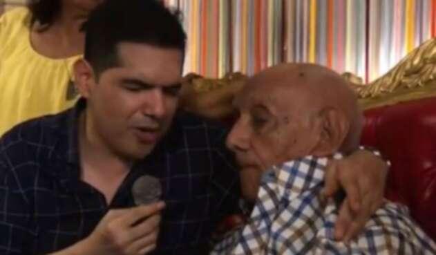 Peter Manjarrés junto a su padre