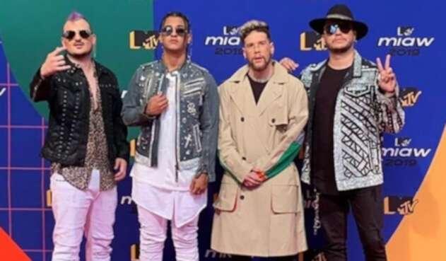 Varios artistas colombianos asistieron a los famosos premios juveniles.