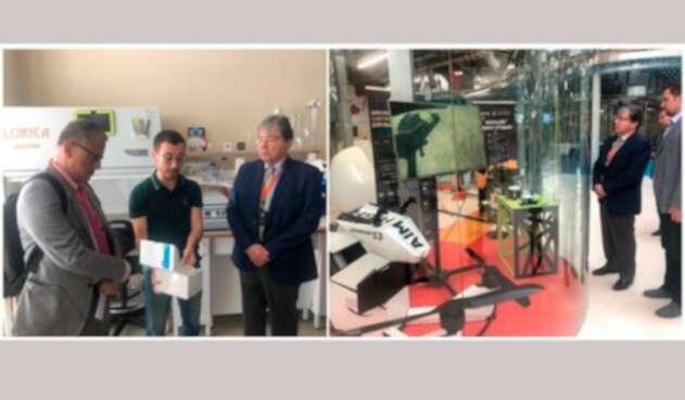 El canciller Carlos Holmes visitando el Centro de Innovación Skólkovo, en Moscú (Rusia)