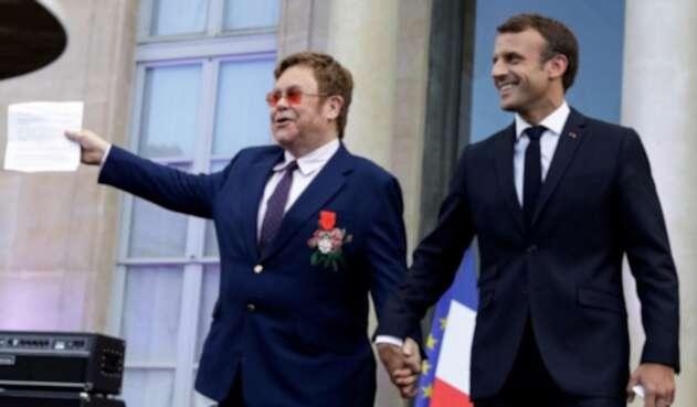 Elton John y Emmanuel Macron se unen contra el sida en París