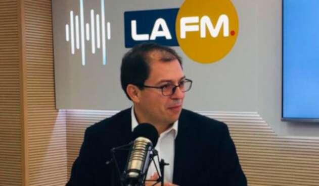 Francisco Barbosa, alto consejero para asuntos internacionales y Derechos Humanos, en la mesa de trabajo de LA FM