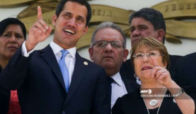 Juan Guaidó y Michelle Bachelet