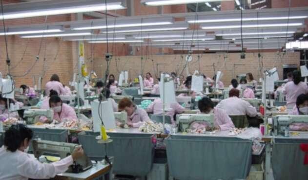 La industria textil afronta una crisis por cuenta de las importaciones asiáticas.