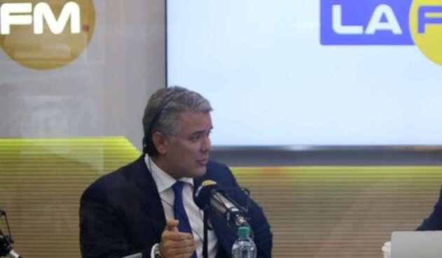 El presidente Iván Duque en La FM respondió sobre la polémica por posible regreso de los falsos positivos.