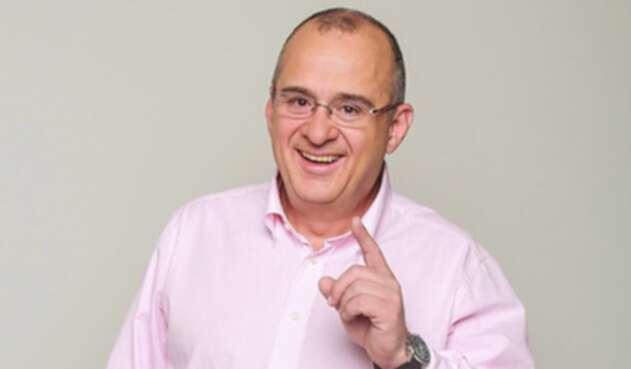 Jota Mario Valencia, presentador colombiano.