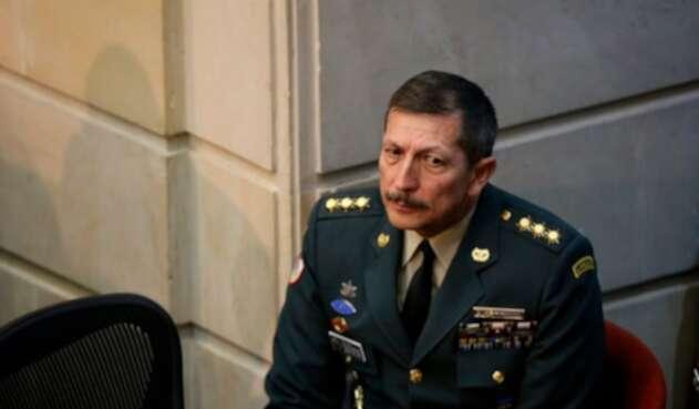 El general Nicacio Martínez, comandante del Ejército, en el Senado de la República, en Bogotá