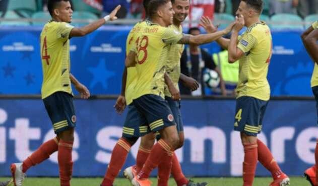 Selección Colombia celebra su gol ante Paraguay