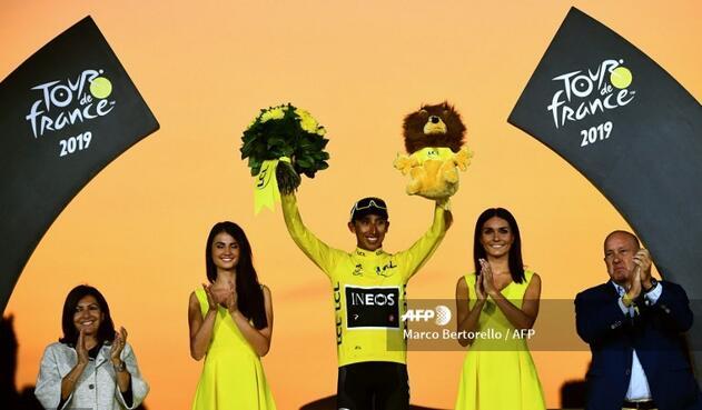 Tour de Francia - podio Egan Bernal campeón