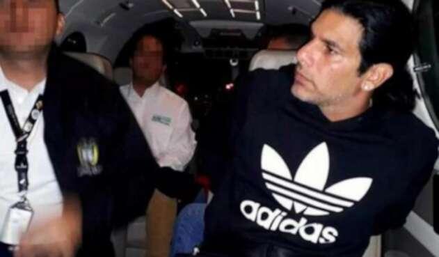 Las autoridades adelantan tratados de extradición para lograr traerlo al país a responder por los delitos que se le sindican.