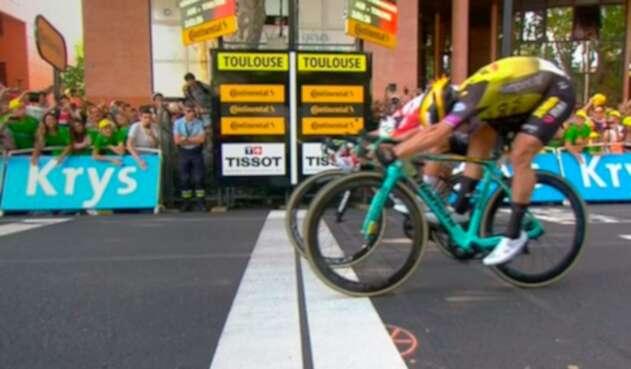 Caleb Ewan ganando la etapa 11 del Tour de Francia