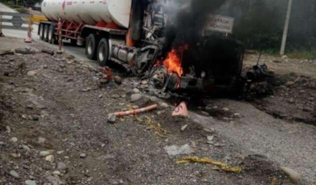 Dos sujetos queman vehículo en el Putumayo