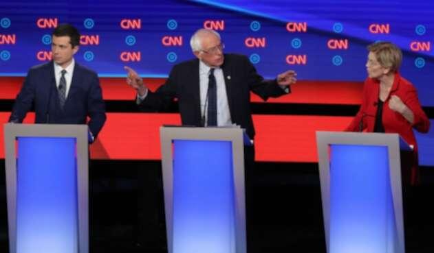 Bernie Sanders y Elizabeth Warren en debate