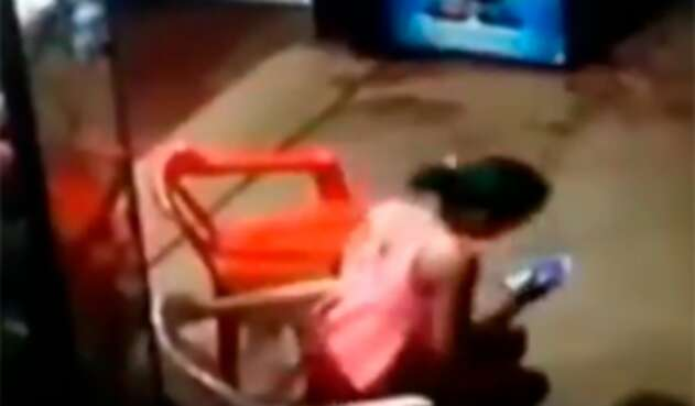 La niña Sharik Buitrago en una locación comercial de Guaviare, donde fue abordada por un sujeto