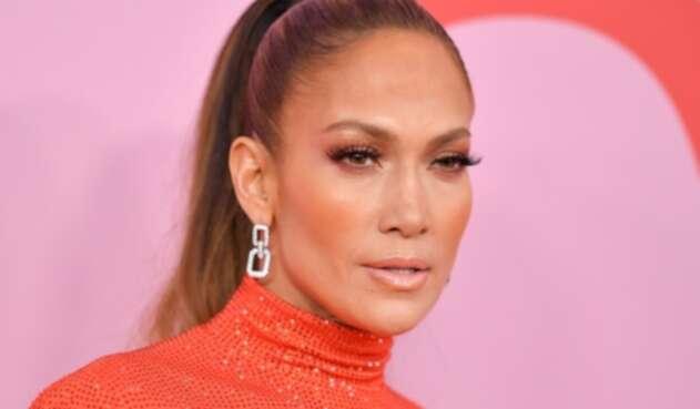 Jennifer Lopez conoce a su doble latina