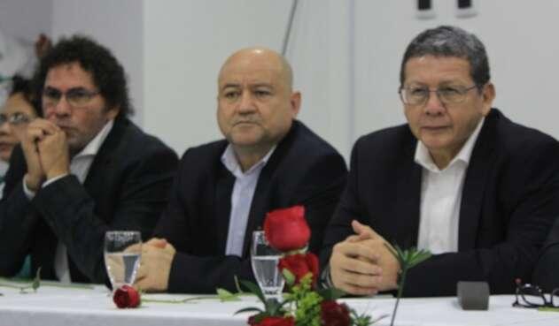 Pastor Alape, Carlos Antonio Lozada y Pablo Catatumbo.