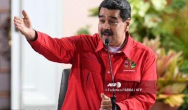 Nicolás Maduro dice que le ganaría a Pedro Sánchez en España