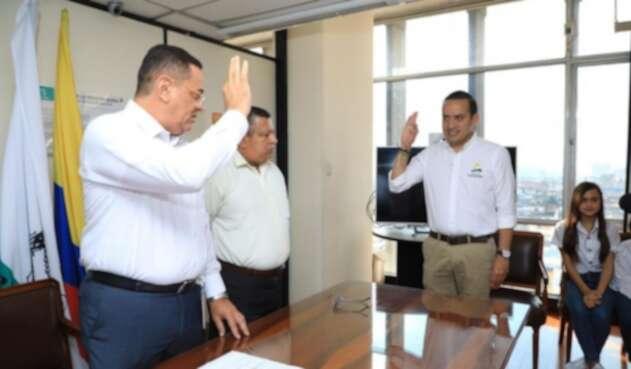 El exsenador Mauricio Aguilar presentó su candidatura en Santander.