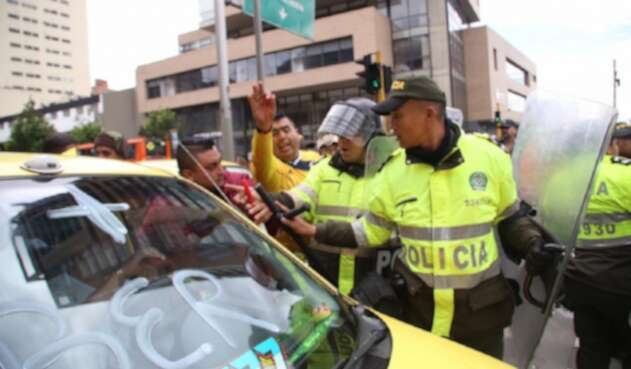 Paro de taxis en Bogotá contra plataformas como Uber y Cabify