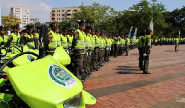 Mil 500 policías que estaban en Cali se jubilaron.