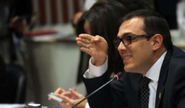 Santiago Valencia, presidente de la Comisión Primera del Senado