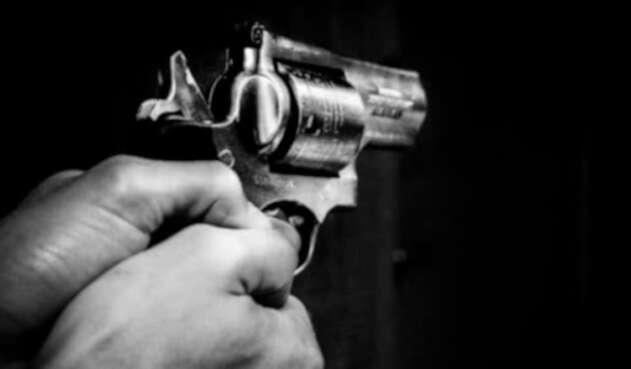Arma de fuego, disparos. Imagen de referencia.