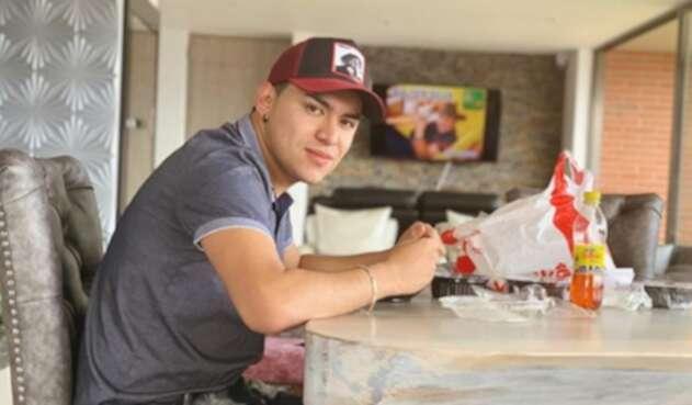 """Yeison Jiménez alcanzo su mayor éxito con """"Soy aventurero, con el corazón""""."""