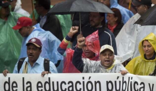 Marcha de maestros en Colombia