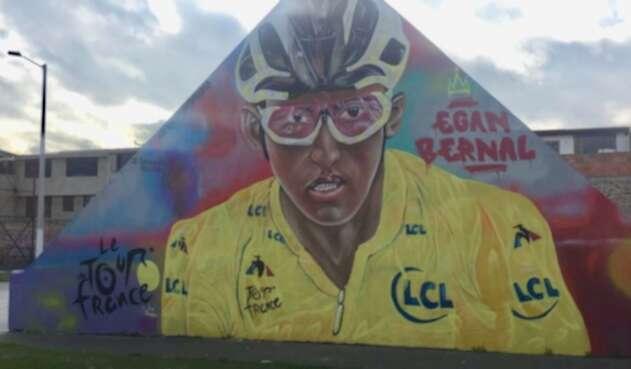 Mural en honor a Egan Bernal en su pueblo natal, Zipaquirá.