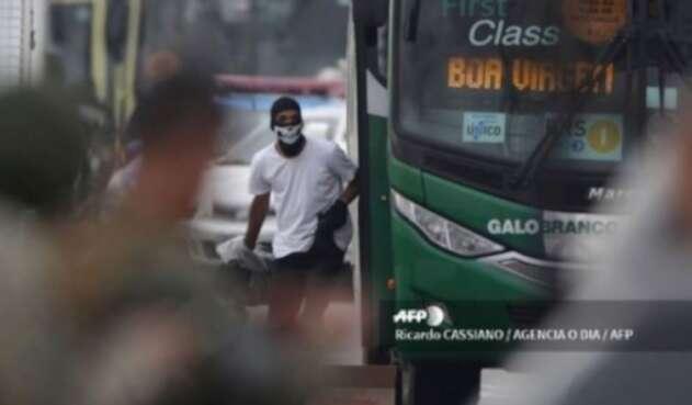 Hombre que secuestró a 37 personas en un bus en Río de Janeiro