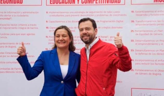 Ángela Garzón y Carlos Fernando Galán anunciando alianza de cara a la Alcaldía de Bogotá