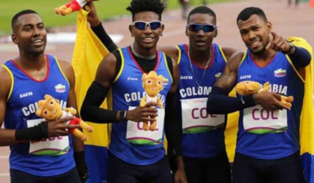 El equipo colombiano de relevo.